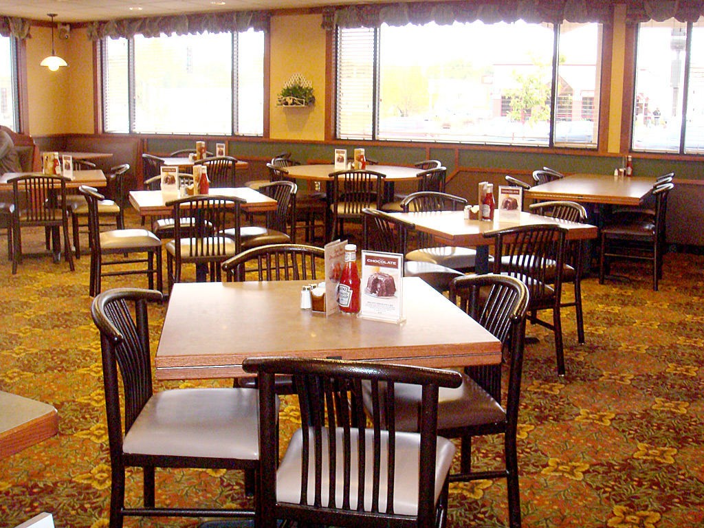 Bar booths tables restaraunt both tables topss cafe for Restaurant furniture